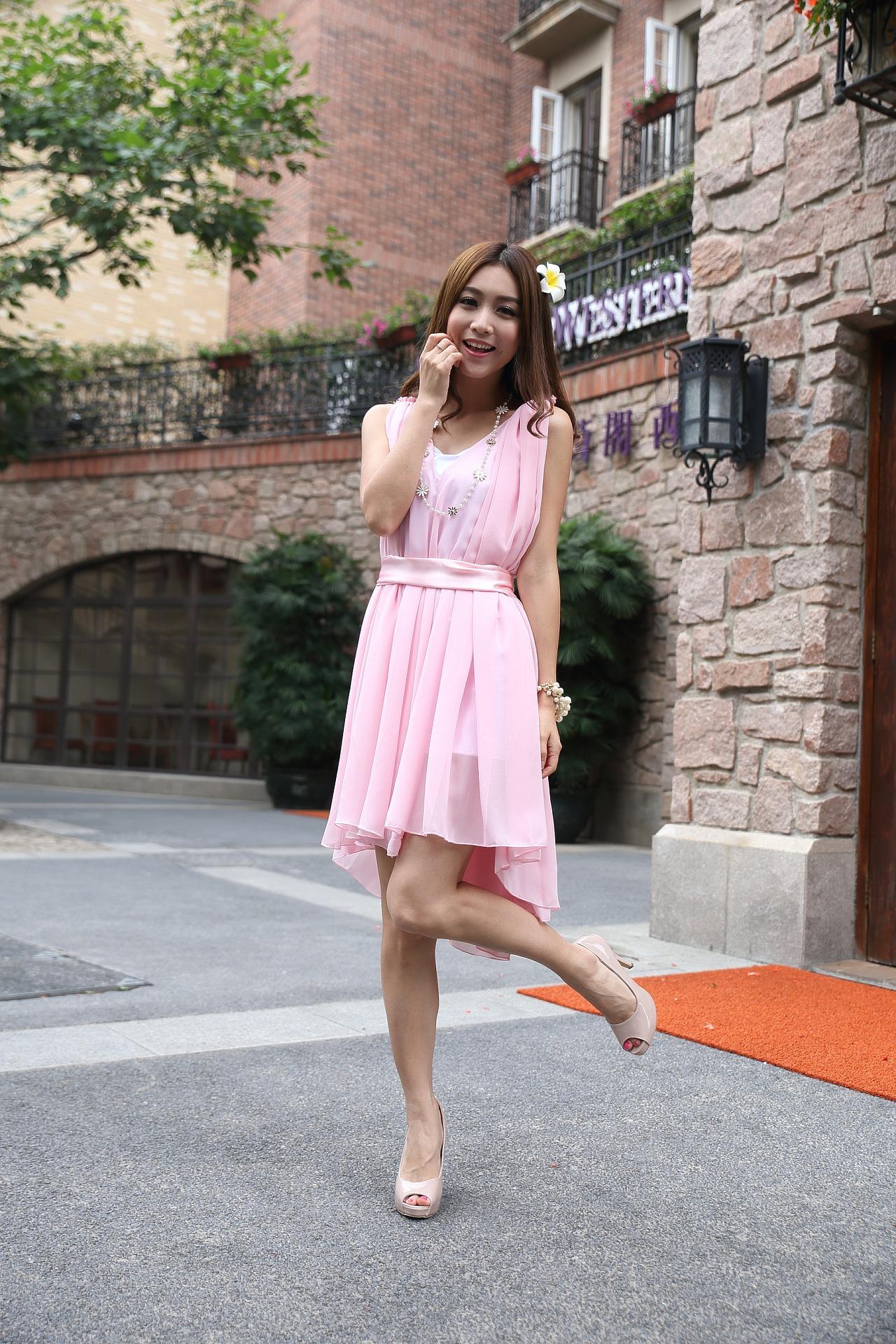 1c7f12bca2 ... jaką sukienkę wybrać na jesienne wesele. Share