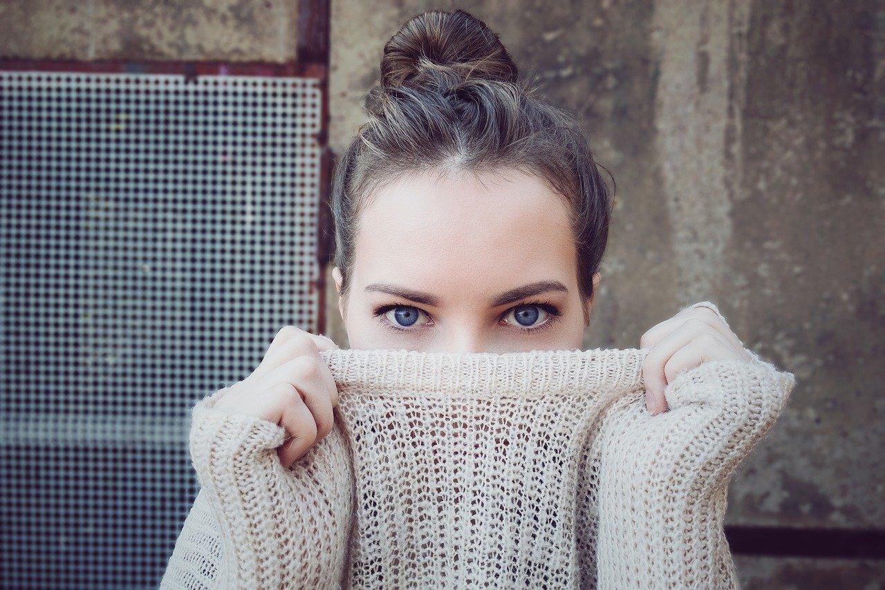 Jaki sweter wybrać kupując online?